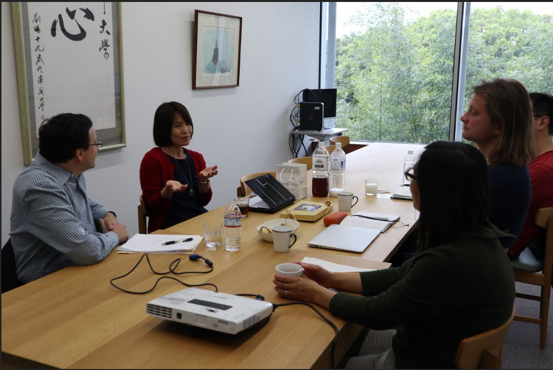 Prof. Berg (Wheaton College, MA, USA) Visits to Discuss Health with the Uchida Team