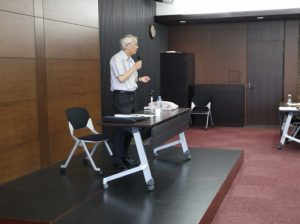 "Professor Keishi Saeki held Kokoro Lecture on Thoughts, themed on ""Contemplating 'the Age of Fakery'"""